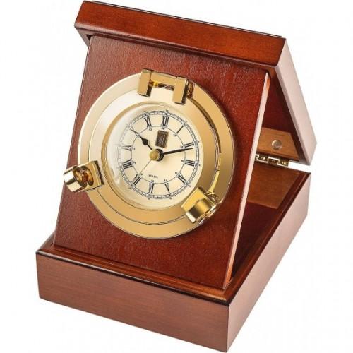 Часы в деревянной шкатулке...